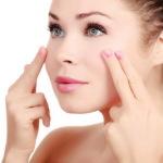 Как правильно ухаживать за глазами и кожей вокруг глаз?