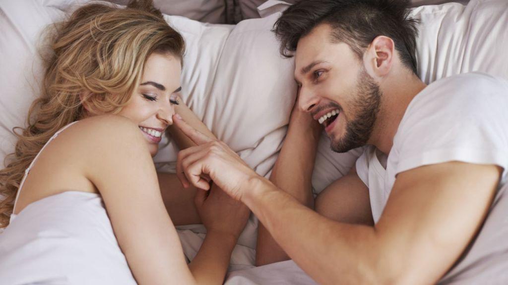 8 Вещей, которые делают перед сном счастливые пары