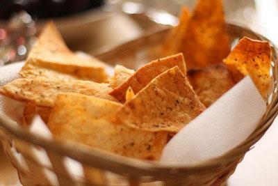 Полезные сырные чипсы из лаваша (Видео)