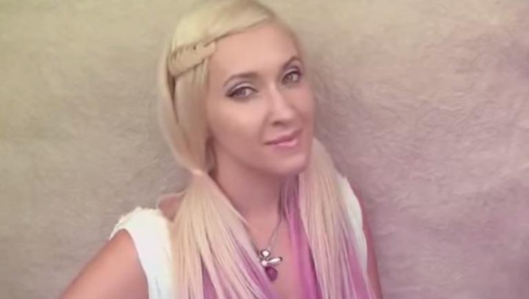 Прически на каждый день: Плетение декоративной узелковой косы (Видео)