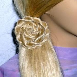 Цветок из волос на основе жгутов