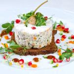 Современный рецепт заливного салата Оливье