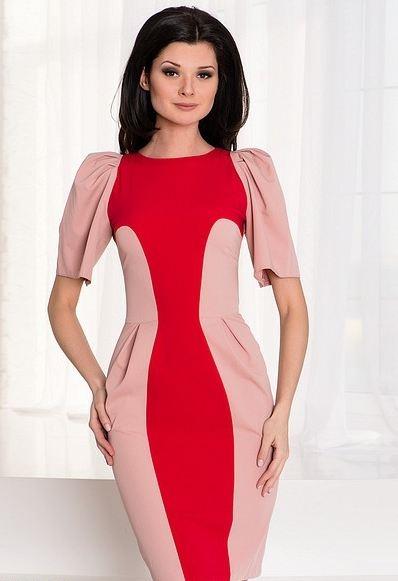 Стройним фигуру: Платье с боковыми вставками Фото
