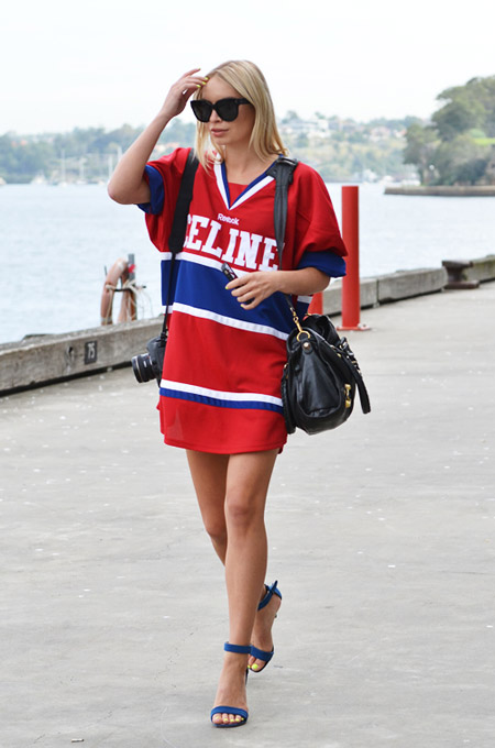C чем и как носить платье в спортивном стиле? +Фото