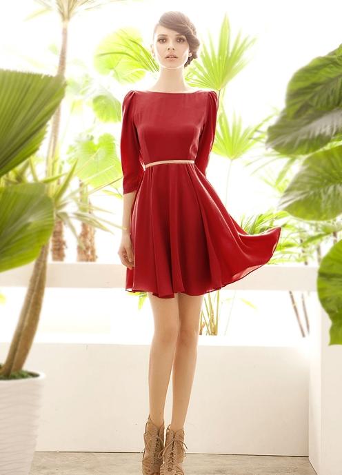 Как правильно подобрать прическу под вырез платья? Фото