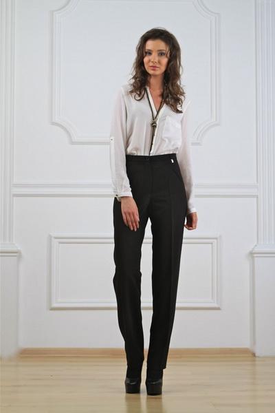 Как невысоким девушкам выглядеть выше с помощью одежды?