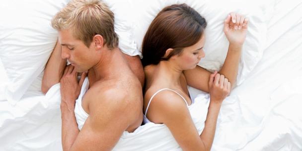 Секс женой на людях всё