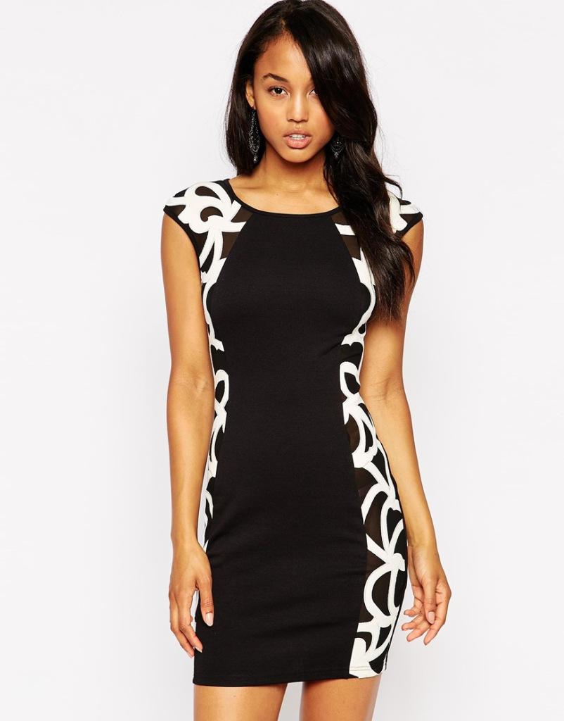 Платье с боковыми черными вставками