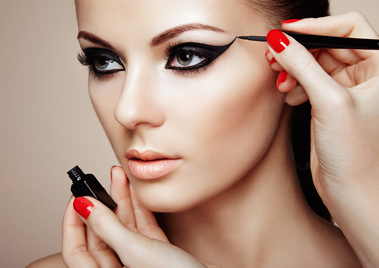 Прекратите это немедленно! 6 главных ошибок в макияже глаз