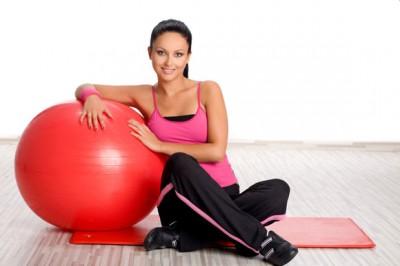 Эффективные упражнения на фитболе для похудения (Видео)