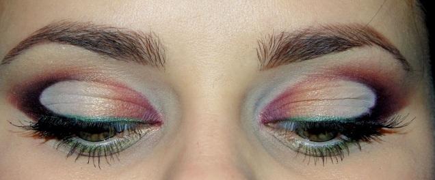 Уроки макияжа: Яркая петля (Видео)
