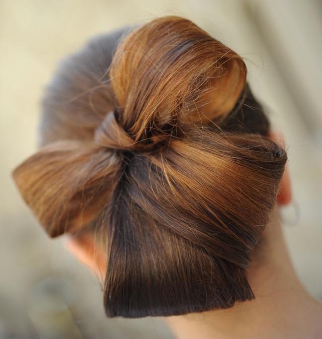 Школа красоты: Бант из волос (Фото)