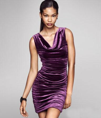 Платье из бархата Фото