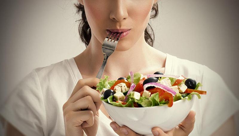 Сколько в день нужно съедать пищи?