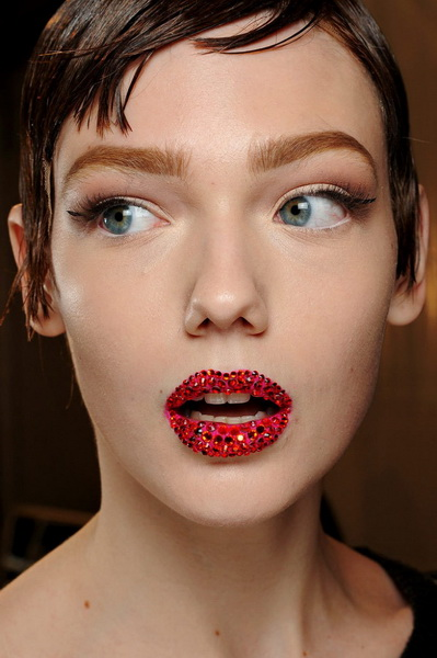 Блестящие губы