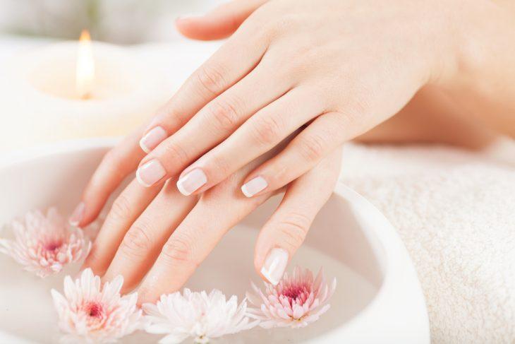 Как вылечить ломкие ногти в домашних условиях?