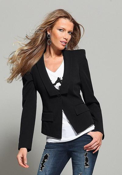 Женские Хитрости: Базовый гардероб для девушки 25 лет