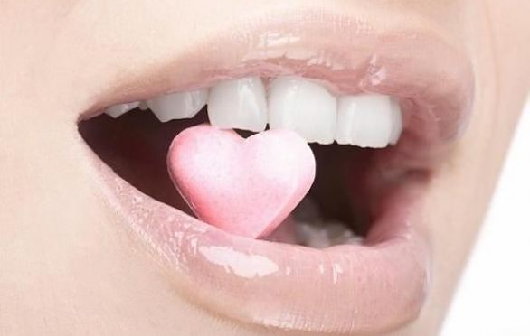 Женские хитрости: Макияж, увеличивающий губы