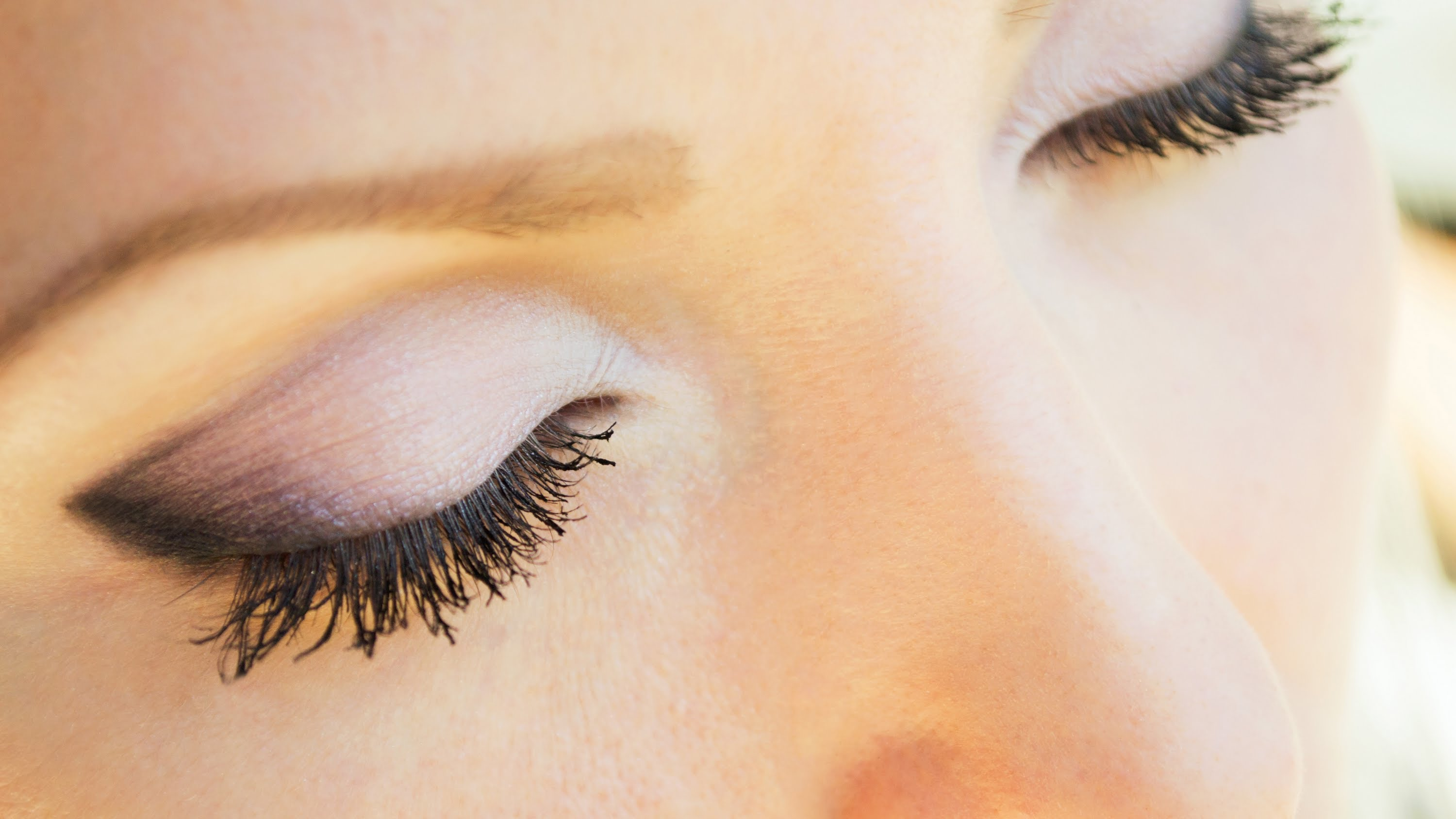 Нежный дневной макияж глаз (Видео)